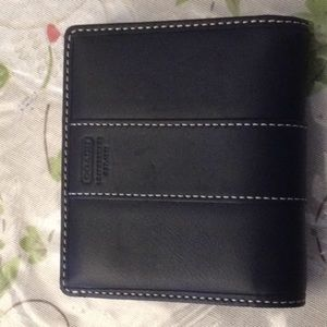 Vintage coach wallet with clasp